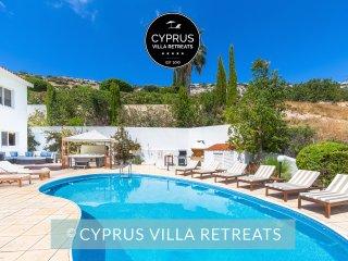 Villa Atlantica, 5 Bed, Big Garden, Huge Pool, Hot Tub, Nr Coral Bay, Sea Views