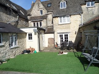 Large Cotswold Home: 10% off when you book 2 weeks (Sat to Sat)