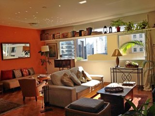 Cozy sunny apartment, noble, safe and flat neighborhood in Itaim Bibi -Sao Paulo