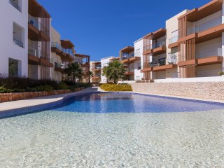 Lovely Modern Holiday Apartment in Portimao, Algarve