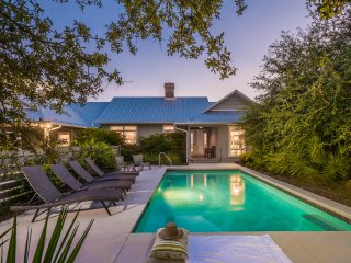 Gulf Front, Private Heated Pool, 3 Master Suites!