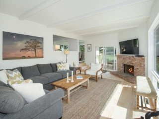 Gated Dream Vacation House - Walk to Zuma Beach - 5 Bedroom, 3 Bath