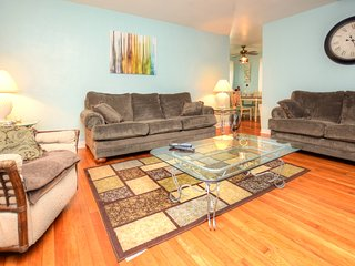 Oct & Nov Specials - Luxury Home - Steps From The Beach - 2BR/2BA - #374
