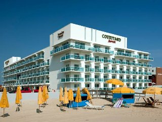 ** On top of the Marriott** Luxury Boardwalk/Beach 1400 sq ft + hotel amenities
