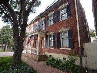 Luxury on Lincoln in Historic Savannah! SVR00260