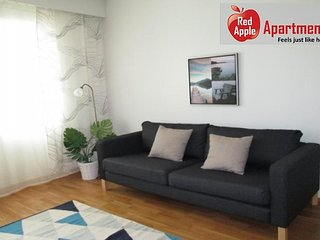 Bright and Modern Apartment Near the City Centre - 6144
