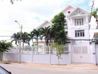 GEM Villa-7 Bedrooms With Pool, Karaoke, BBQ...Reverside Best View