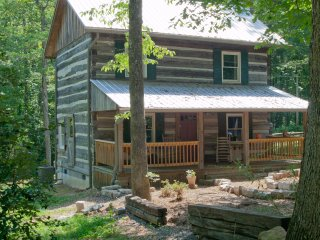 Cabins On Cedar Ridge - Harned Cabin
