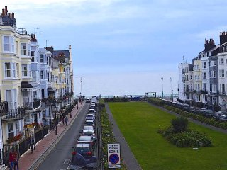 Beautiful flat, stones throw away from the Beach and Brighton Pier!
