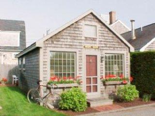 1 Bedroom 1 Bathroom Vacation Rental in Nantucket that sleeps 2 -(10153)