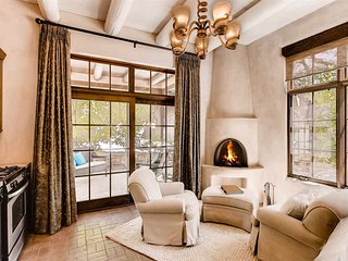 Casita Hermosa - Luxury and Elegance meets Santa Fe Style
