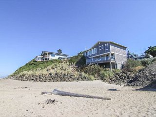 Oceanfront Two-Bedroom with Panoramic Views & Beach Access Right Next Door!