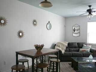 Private, Walkable Townhome★Restaurants/Bars/UT