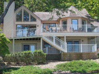 The Fremont Rose Home - Stunning 2,160 sq ft home. 3 Mile Marker Gravois Arm. Th