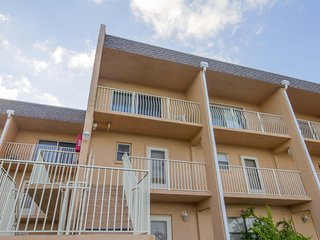 Great Ocean Views - 2/2 Townhome  - Sleeps 6 - Excellent Location!!!