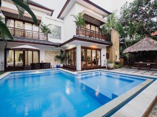 Luxury 3 Bedroom Villa - Sinta Villa Seminyak Bali