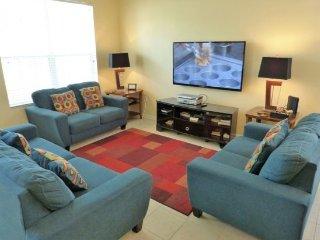 2649DS. Stunning 6 Bedroom 4 Bath Pool Home in the Windsor Hills Resort