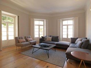 Spacious Luxury Seaside House apartment in Foz do Douro with WiFi, privetuin