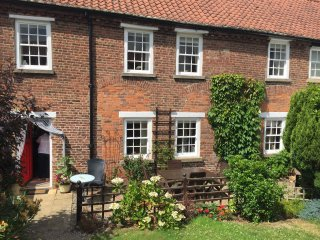 Middle Cottage. Dog friendly holiday home in the beautiful village of Hunmanby.