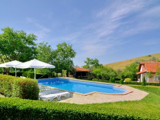 Meadow view villa with Pool - Sunny Beach Area