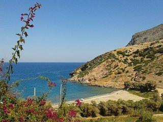Modern villa with private pool overlooking the Cretan Sea