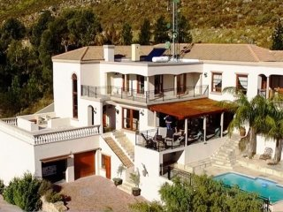 La Vue Parfaite - Now a 6 room/6 Bathroom villa for your enjoyment