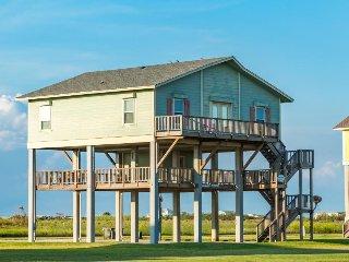 Dog-friendly beach house w/ covered mezzanine, oceanfront views, & beach access