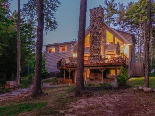 Luxury lakefront home w/ private hot tub, dock, beach, firepit & game room!