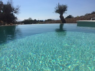Villa Moses-Five Bedroom Villa with Terrace,Swimming Pool and Sea View