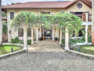 Villa Tropicalia