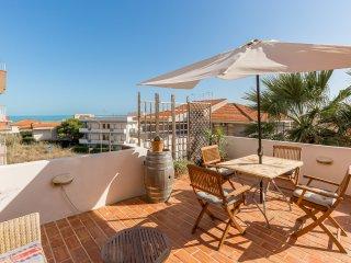 Attico con terrazza vista mare a 150 mt. dalla spiaggia - Marina di Ragusa
