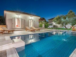 Natura Verde - Ftelia 3 bedroom villa with Private Pool