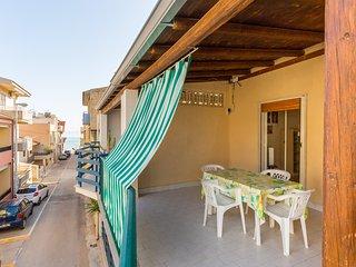 Appartamento con terrazza vista mare a 40 mt. dalla spiaggia
