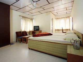 Hotel Country Lodge Room 8, holiday rental in Khaniyara