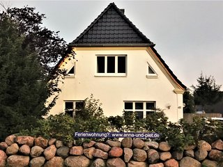 Ferienhaus mit grossem Garten in Strandnahe; Fewo HIMBEERE