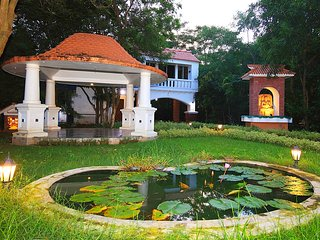 Room 1 boutique resort' near Santiniketan. In the midst of nature find solitude