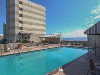 Beach Quarters Resort - 1 Bedroom Oceanfront!