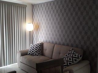 2 min. polyforum executive comfort. full apartment