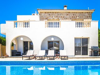 Villa Siesta, Family 4 Bed, Private Heated Pool, Hot Tub, Walk to Beach, Kids