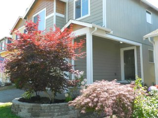 Puyallup comfortable home close to Tacoma and Puget Sound attractions