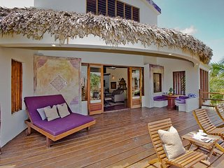 4 Bedroom - 4 Bathroom - Luxurious Villa with Spectacular Ocean Views