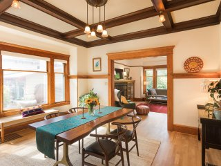 Sun-filled, Spacious Craftsman in the Heart of PDX