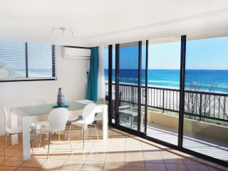 Pelican Sands 401 - Absolute Beachfront - Min. 3 night stays!