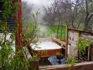 Texada ;private hot tub