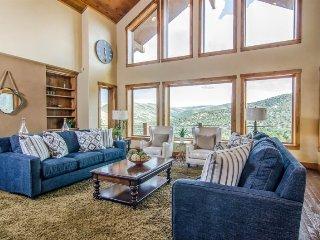 Rose Canyon Lodge, 7 Bedroom Luxury Lodge in Salt Lake Mountains