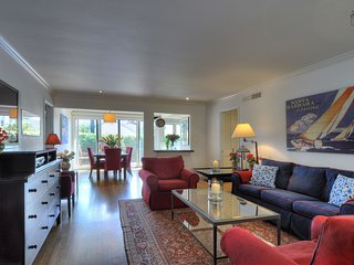 Pristine, charming West Beach family home  - Juniper Cottage
