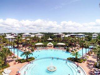 Modern Seacrest condo overlooking Lagoon pool, large balcony - Villa at Seacrest
