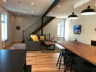 Casa Montreal (perfect for family/group)