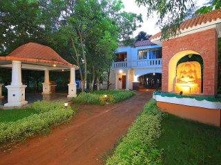 Room 3 'boutique resort' near Santiniketan. In the midst of nature find solitude