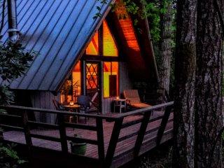 Zen River Retreat (Cabin 2)